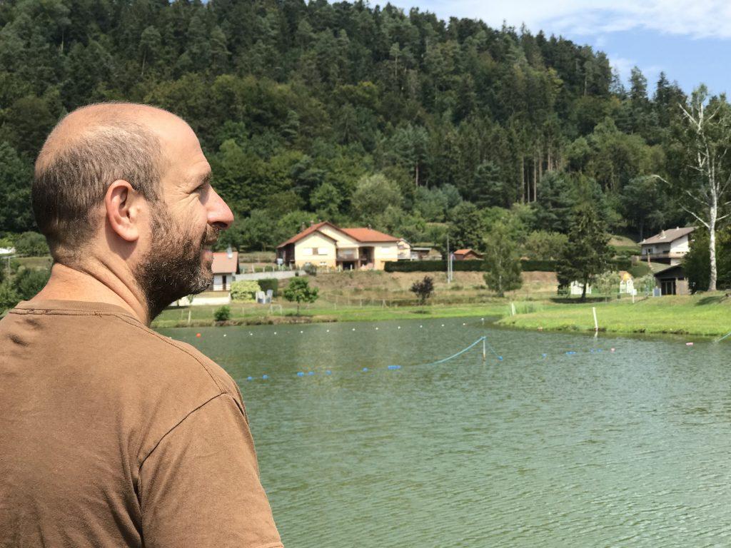 אני, על שפת אגם צרפתי
