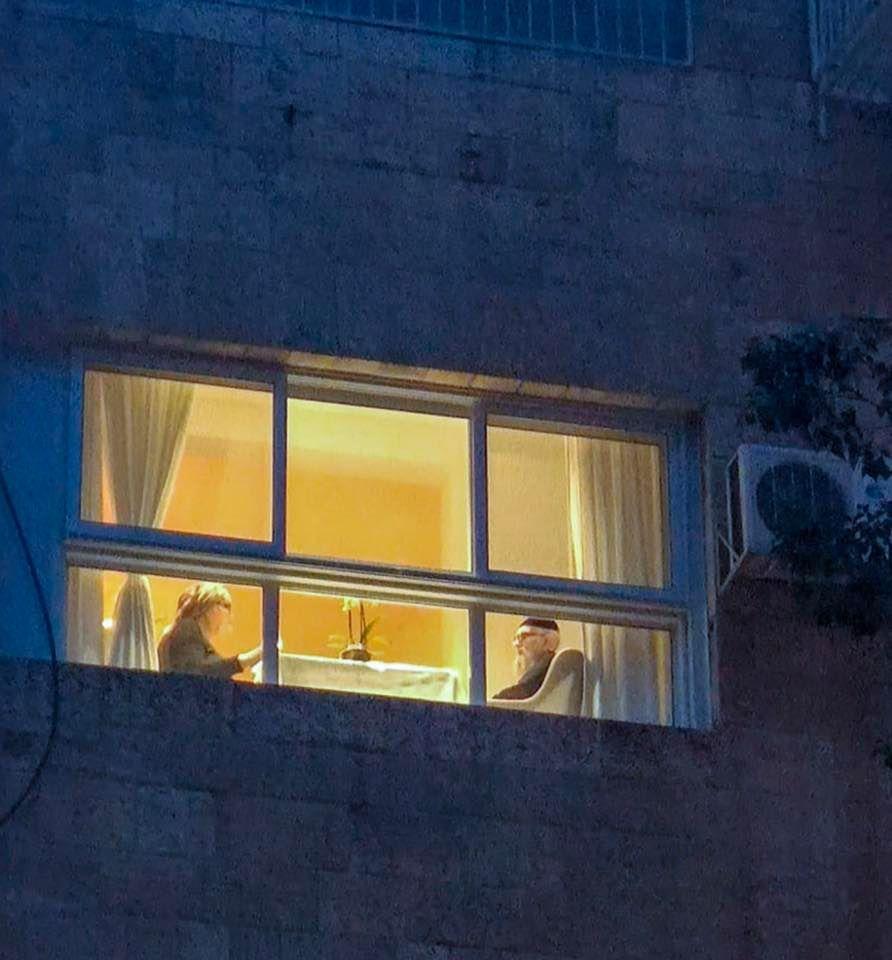 הסדר האחרון של ישיש חרדי בירושלים, צילום: יוני ישראל